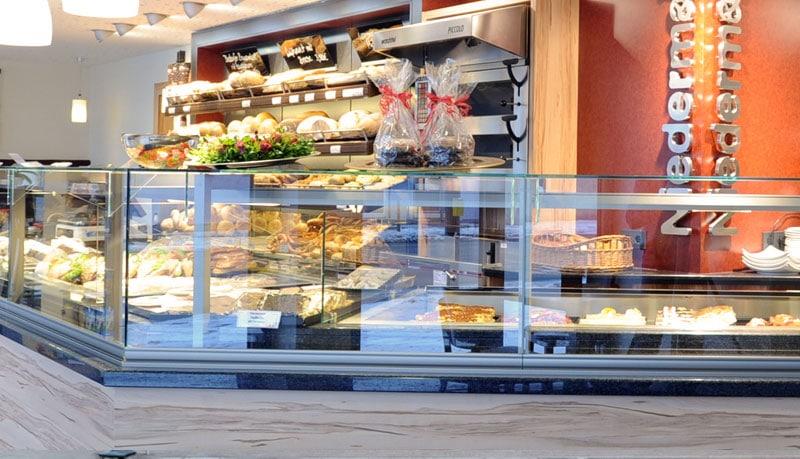 Bäckerei, Konditorei Niedermair Diedorf: Verkaufstheke